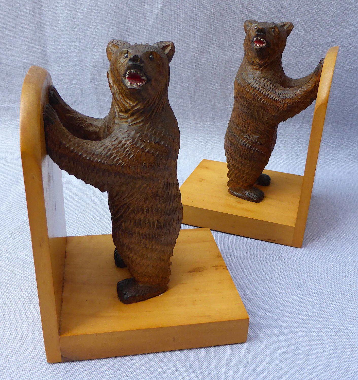 Pair of mid 20th century Black Forest bear bookends