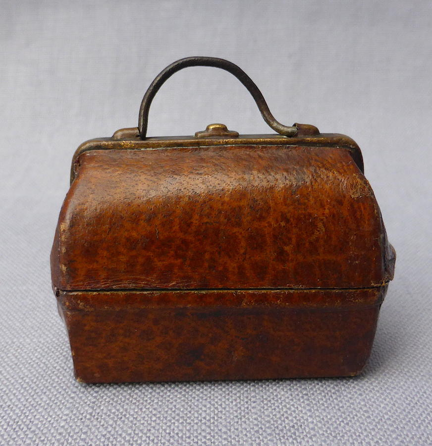 Miniature Gladstone bag travelling inkwell