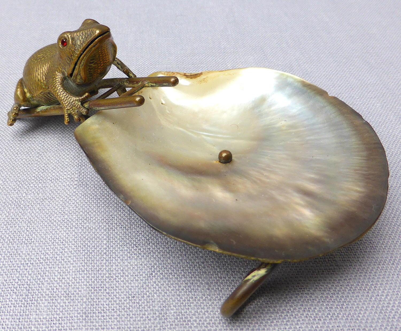Victorian novelty frog pin dish