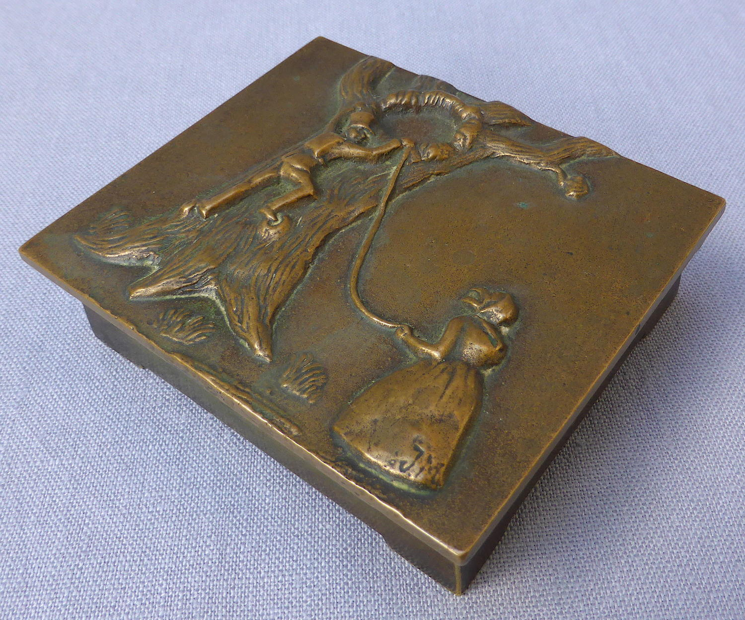 Early 20thC bronze Tinderbox cigarette box
