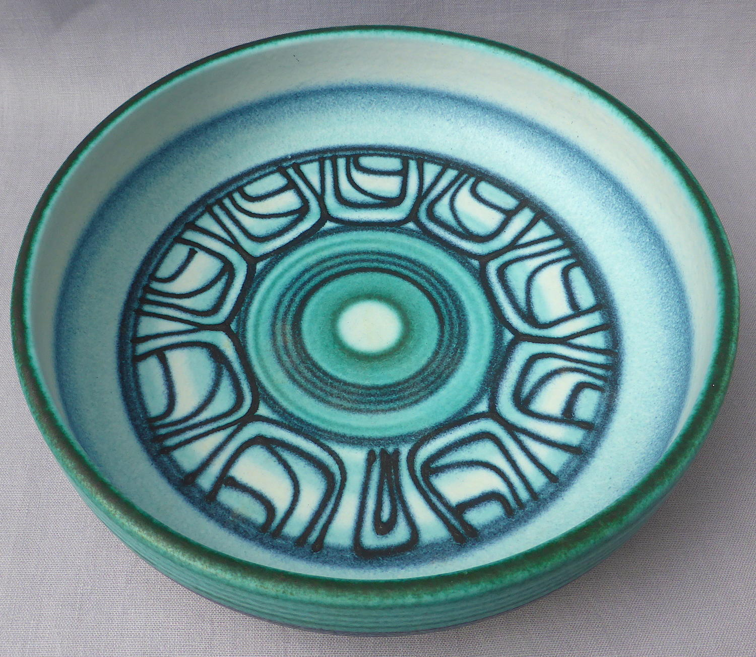 Spanish art pottery bowl by Jordi Serra Moragas