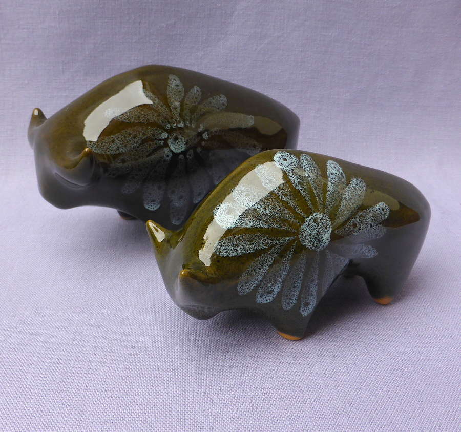 Stylish Pair of 1960s Lotus Pottery Bulls