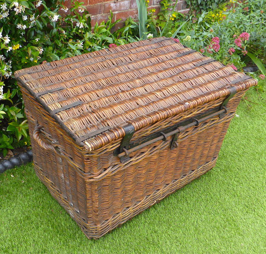 Large Edwardian Country House Laundry Basket