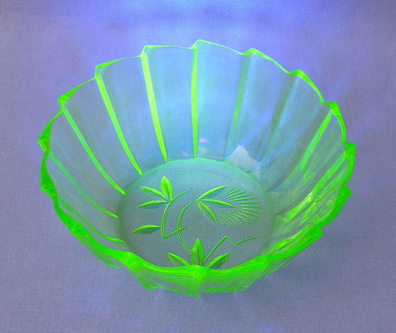 Gorgeous green vaseline uranium glass bowl