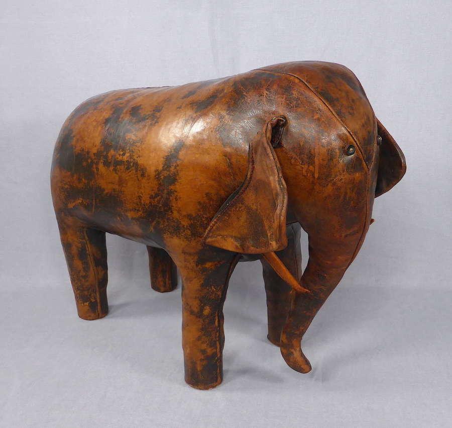 Omersa Elephant Ottoman
